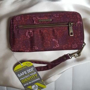 BRAND NEW WITH TAGS TRAVELON WALLET
